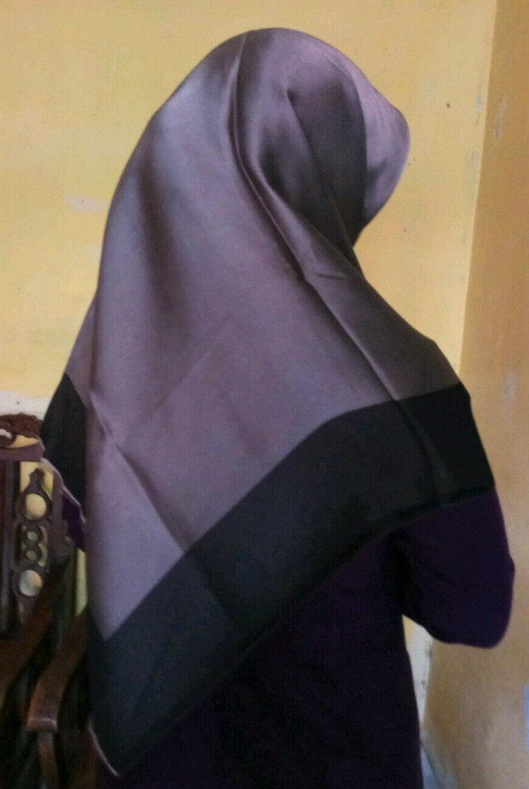 Jilbab Turki Caramel vs Black